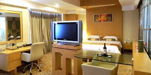 ¥598 -- 阖家旅途 乐享刺激 上海唐朝大酒店套房1晚 早+晚+卡丁车体验 另有2间套餐可选