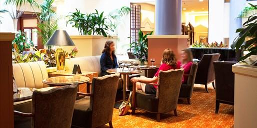 Cincinnati: Cricket Lounge: Dining for 2 in 'Modern Luxury', 50% Off