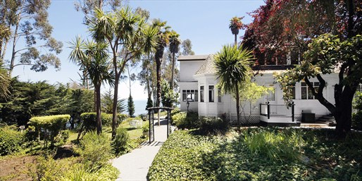 Travelzoo Deal: $239 -- 2-Night Escape at Charming Capitola Inn into Spring