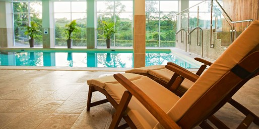 £69 -- Spa Day for 2 w/Rasul Experience & Lunch, Save 54%