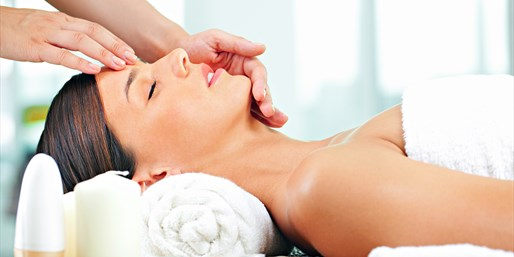 $69 -- Chicago Magazine-Praised 'Best Facial,' Save over 35%