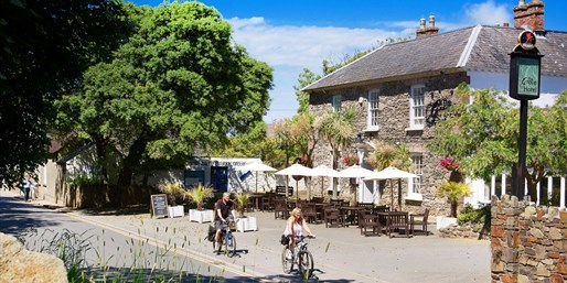 £69 & up -- Deluxe Welsh Hotel Sale w/Meals, up to 54% Off
