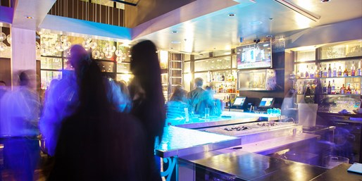 $25 -- Aqua Lounge: 50% Off Drinks & Apps at Champagne Bar