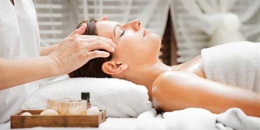 $49 -- Top-Rated Spa: 55% Off 90-Minute Signature Facial