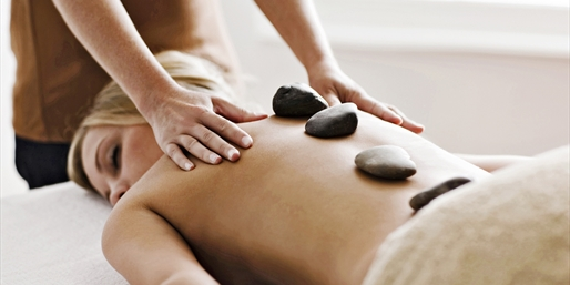 $39 -- Relaxing Hot Stone Aromatherapy Massage, Save 60%