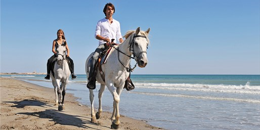 $99 -- Amelia Island: Beachside Horse Ride for 2, Reg. $160