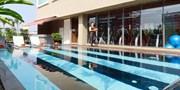 £29 -- Bangkok: 4-Star City-Centre Stay w/Extras, Save 54%