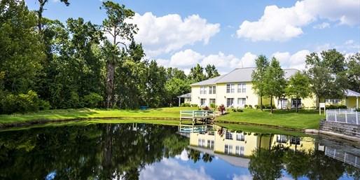 $80 -- Orlando: 1-Bedroom Suite near Parks, 55% Off