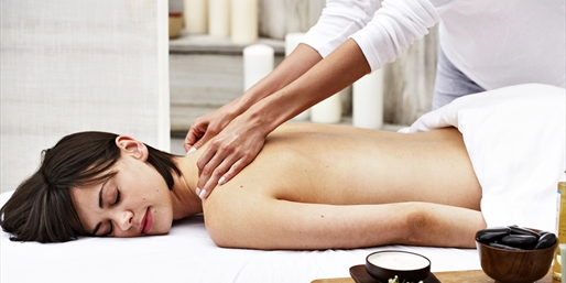 Gayot-Praised Scottsdale Spa: Massage & Facial, Save 30%