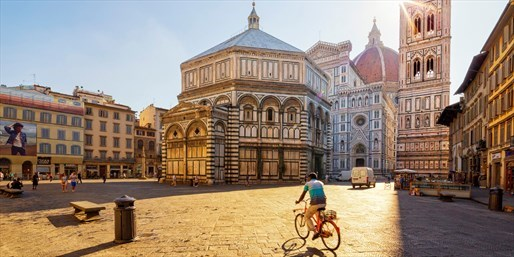 £62 & up -- 4-Star Florence Stay w/Upgrade & Extras