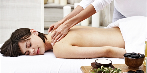 $95 -- FG on Las Olas: Massage & Scrub w/Wine, Save 45%