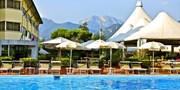 £43 -- Tuscany Stay w/Upgrade & Breakfast, Save 43%