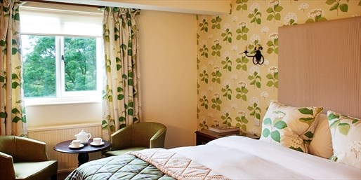 £99 -- Cotswolds Historic Stay w/Upgrade & Extras, 42% Off