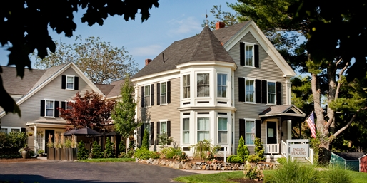 $129 -- Maine: Kennebunk Inn w/Breakfast & Drinks, Reg. $229