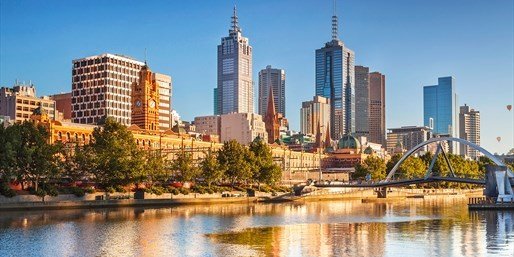 £50 -- Melbourne: 4-Star Apartment Stay inc Wine, Save 55%