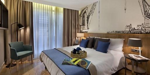 £78 -- Hamburg Apartment Stay, Save up to 41%