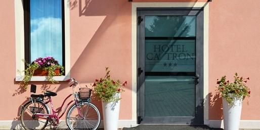 $72 -- Italy: Riverfront Hotel Near Venice, Sa