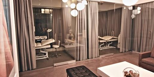 $59 -- Midtown 'Hidden Gem': Massage w/Bubbly, Reg. $100