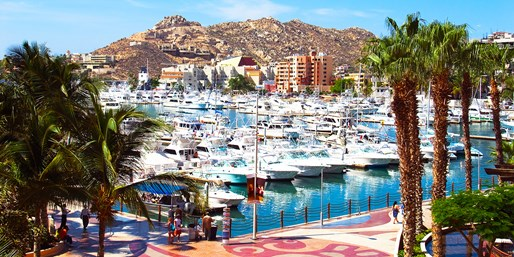 Cabo in Fall: 7-Nt. 'Dreams' Vacation w/Air, From $1,529