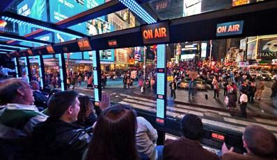 ¥5,400 -- 舞台はマンハッタン 動く劇場ツアーバス『The Ride』 42%OFF