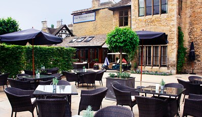 £119 -- Historic Lincolnshire Break w/Michelin-Listed Dining