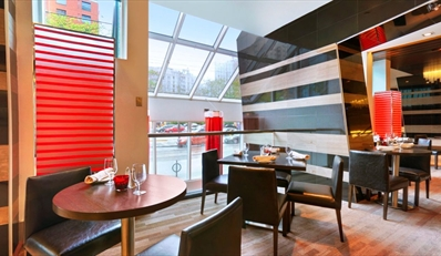 $69 -- Toronto: Dinner for 2 w/Wine on King West, Reg. $140