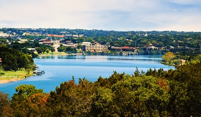 Austin: $89 -- Hill Country: Summer Lake Retreat w/$40 Dining Credit