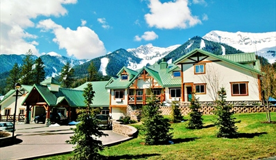 Travelzoo Deal: $199 -- Fernie 2-Night Escape w/Bottle of Wine, Reg. $388
