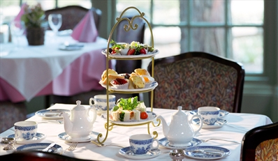 £35 -- Summer Afternoon Tea & Spa Access for 2, Reg £65