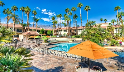 $89 -- Palm Springs Villa Retreat incl. Bubbly, 50% Off