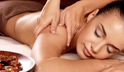 £39 -- Mini Spa Day inc Treatment & Bubbly, Reg £71