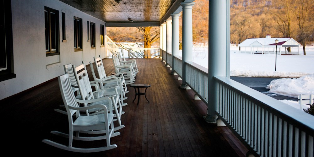 $89 – Poconos Riverfront Resort incl. $25 Credit -- Shawnee On Delaware, PA