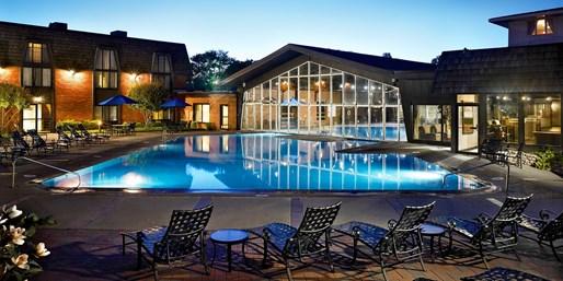 $89 -- St. Charles: July 4th Weekend at Pheasant Run Resort