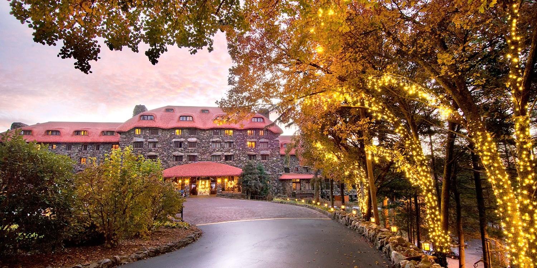 £143 – Luxe Asheville 4-Star Mountain Resort -- Asheville, NC