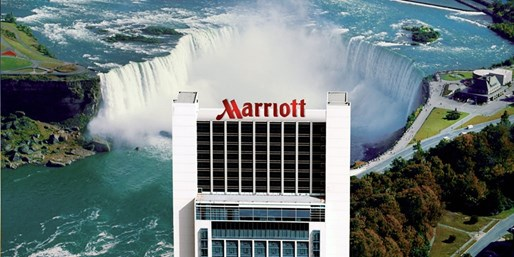 $155 -- Canada: Niagara Falls Hotel w/Breakfast for 2