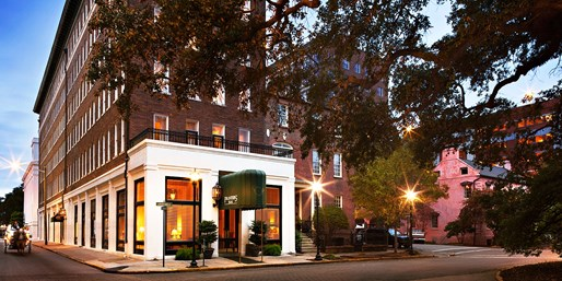 $119 -- Savannah Hotel near Reynolds Square w/Breakfast