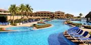 £959pp -- 5-Star Cancun Beach Escape w/Flights, Save £500