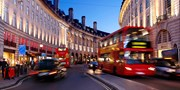 £76pp -- London: 1-Nt Stay w/Vintage Bus Tour & Fish & Chips