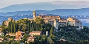 £269pp -- Italy: Umbria Holiday w/Flights, Meals & Wine