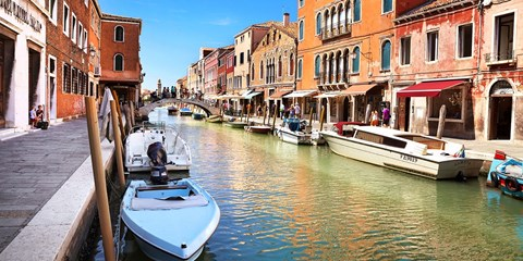£195pp -- Venice Island Escape w/Flights, Save 61%