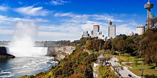 $92-$108 -- Niagara Falls Stay w/Dining, incl. Weekends