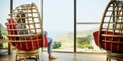 £169 -- 'Perfect' Devon Coastal Escape w/Dinner & Prosecco
