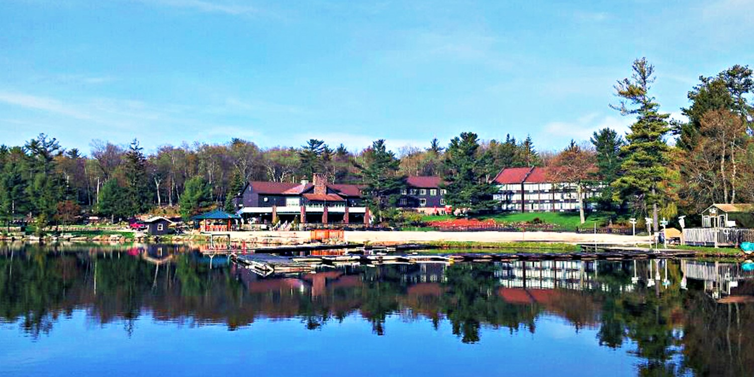 $89 -- Poconos: Lakefront Weekend Suite Escape w/$25 Credit