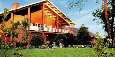 $179 -- Oregon Wine Country: 2 Nights w/Dinner & Tastings