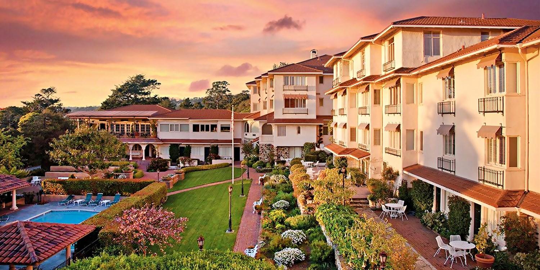 $249 -- Carmel Hotel w/Champagne Brunch & Wi-Fi