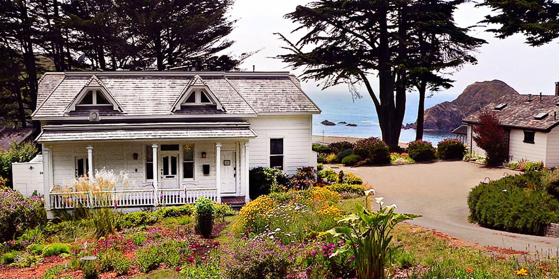 Travelzoo Deal: $299 -- 2 Nights at Oceanside B&B near Mendocino, Reg. $590