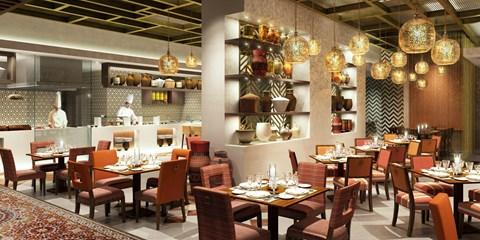 635€ -- Court séjour luxe proche Dubai, vols inclus, -1130€