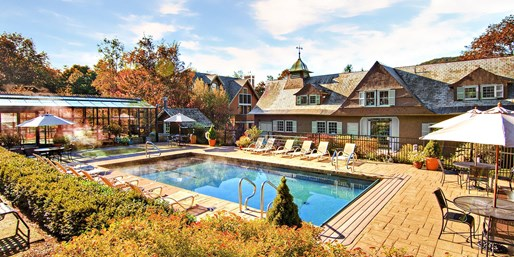 Travelzoo Deal: $79 -- Vermont Fall Foliage Escape w/Spa & Dining Credit