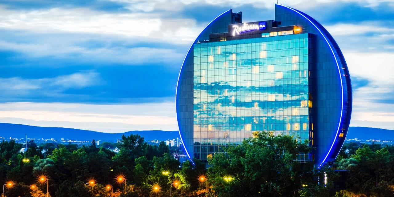 Radisson Blu Hotel, Frankfurt -- Frankfurt, Germany