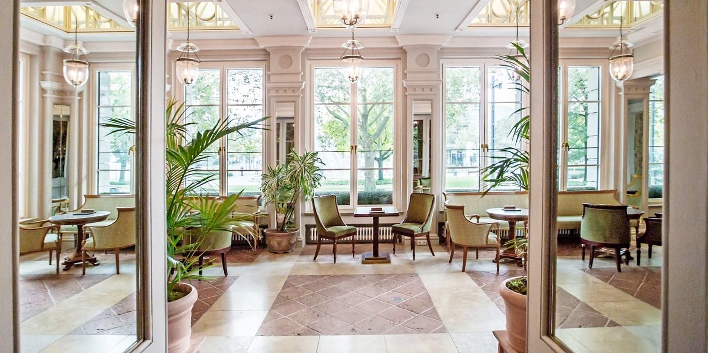 Grandhotel hessischer hof travelzoo for Zimmer 94 prozent